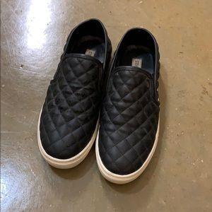 Size 9 Steve Madden Slip On shoes